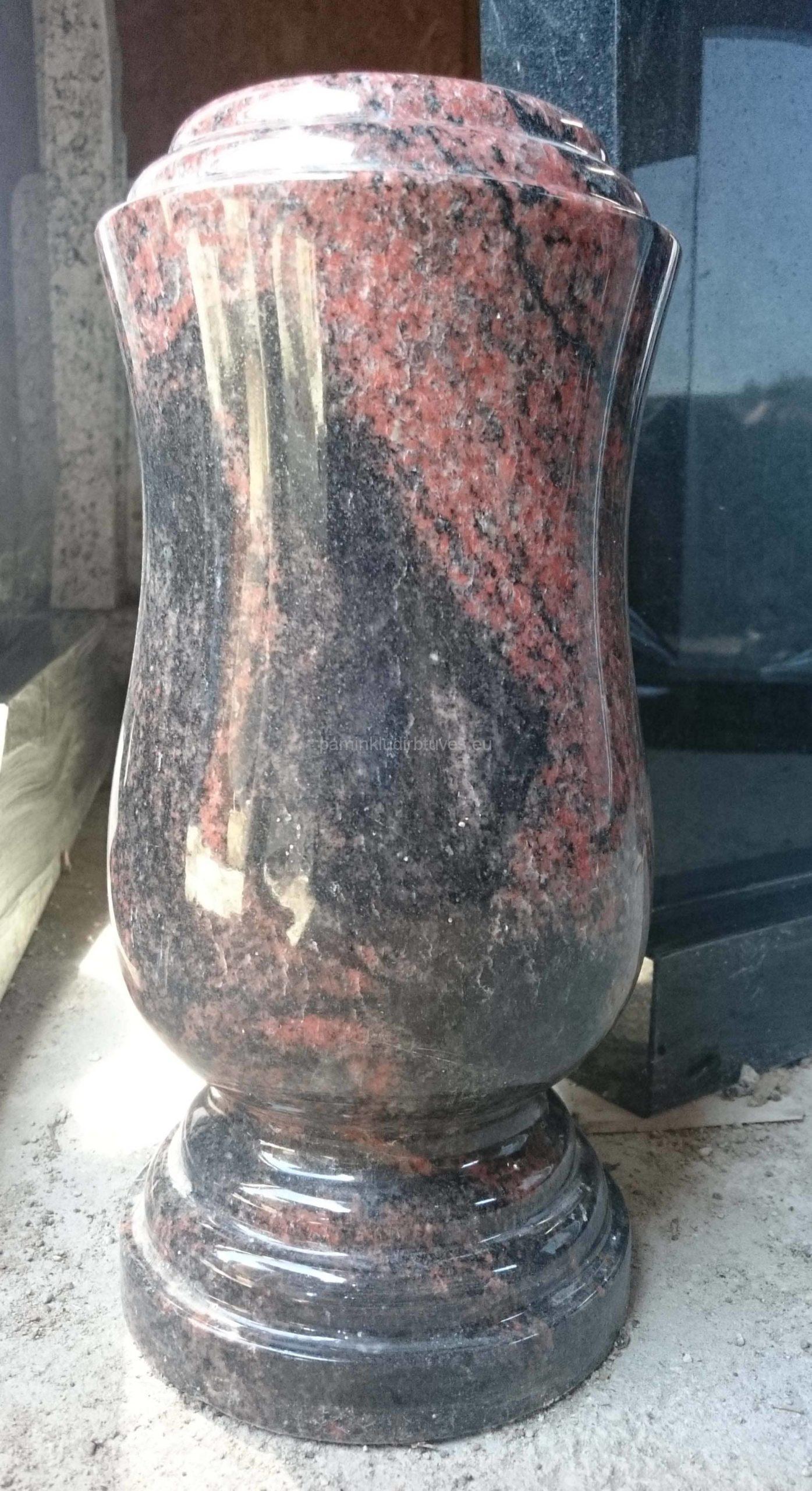 Akmeninė vaza iš auroros akmens